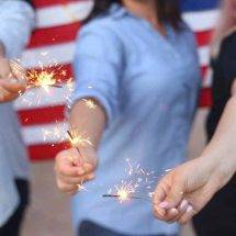 How to Throw a Perfect 4th of July Party Everyone Will Rave About
